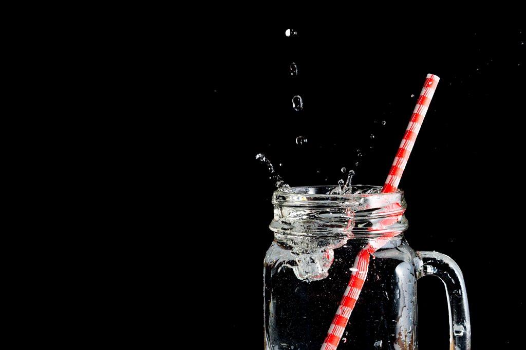 Woda do picia – jaką kupić i na co zwrócić uwagę